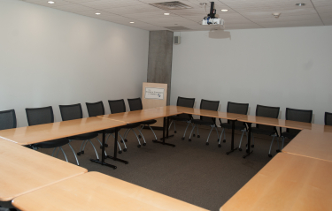 Pryz conference room with square setup