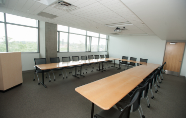 Pryz conference room with conference table